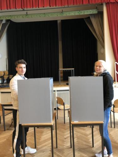 Landfermann Schueler EF Wahlurne